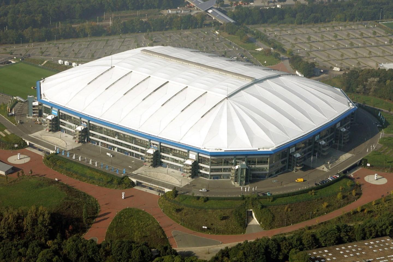 100 mercedes benz arena stuttgart mercedes benz for Mercedes benz arena