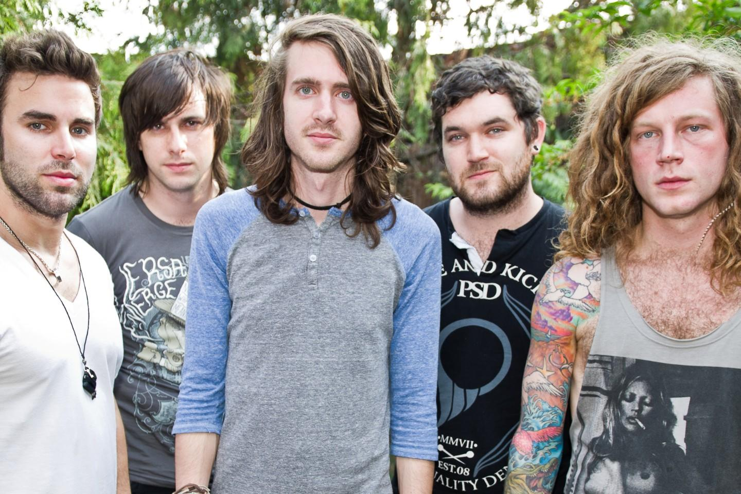 Klip: Mayday Parade – It's Hard To Be Religious When Certain People Are…