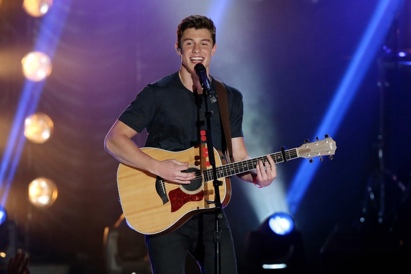 Shawn mendes tickets shawn mendes tour dates 2018 and concert shawn mendes tickets m4hsunfo