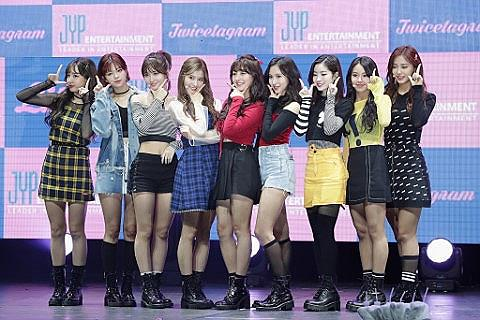 Twice Tickets Twice Tour Dates 2019 And Concert Tickets Viagogo